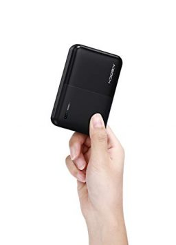 10000mAh Small Power Bank Quick Charge 2.4 A